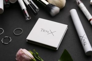 Новинка от TenX: складное карманное зеркало